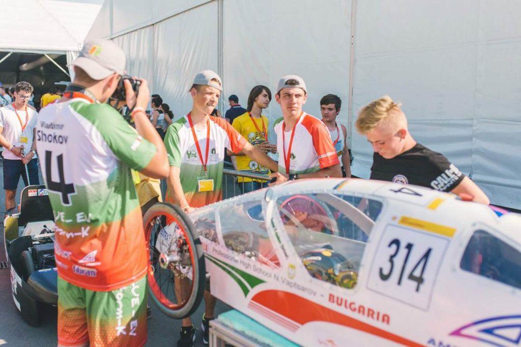 Отборът на Чепеларе по време на състезанието