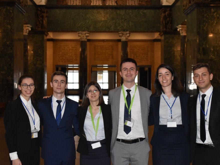 Български студенти станаха първи в света по международно право